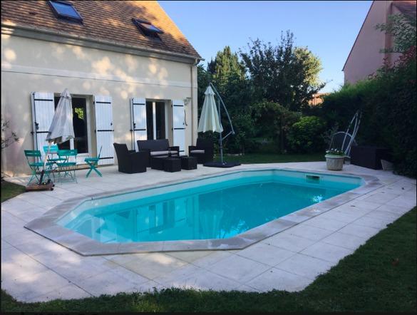 louer une maison avec piscine a roissy